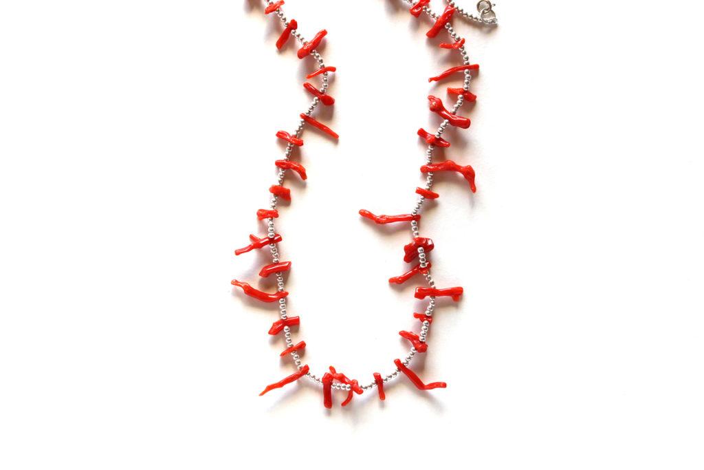 珊瑚の枝のネックレス:アーカイブ